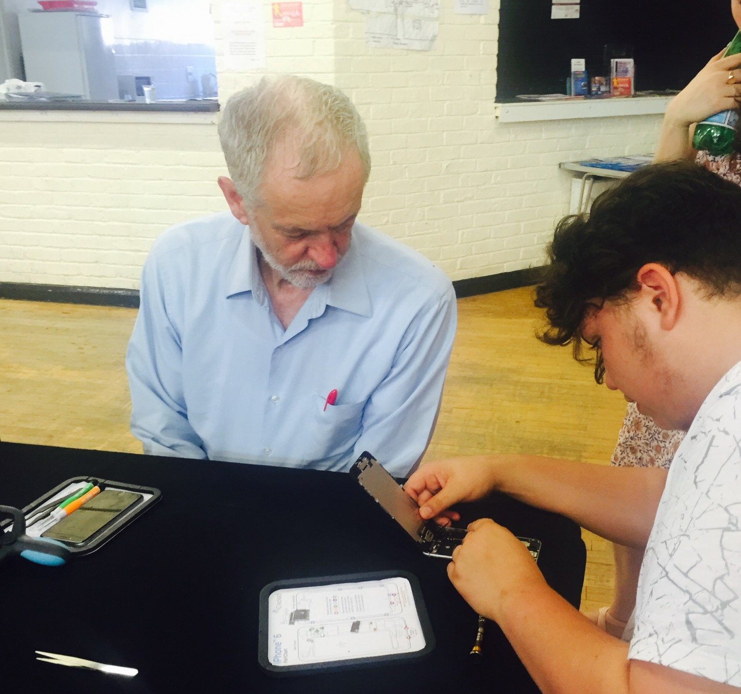 Social enterprise Cracked It is visited by Jeremy Corbyn